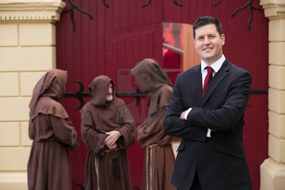Repro Free: 28/08/2014 Ireland's newest visitor attraction, Smithwick's Experience Kilkenny, was officially launched today. Mark McGovern, Manager, Smithwick's Experience Kilkenny is pictured with three Franciscan monks, played by actors Thomas Doran, Patrick Moylan and  Jason Reilly, took a step back in time to 1231 to commemorate the medieval origins of brewing on the site of the Abbey of St. Francis.<br /> Located in the old Victorian brewing building on Parliament Street in Kilkenny City, this €3.5m multi-sensory and interactive experience immerses visitors in the history of Smithwick's, Ireland's oldest beer brand, the amazing heritage of the Smithwick's family and its place in Kilkenny, a city steeped in history and brewing tradition.  Picture: Andres Poveda<br /> For more information visit www.smithwicksexperience.com<br /> Enjoy Smithwick's sensibly. Visit Drinkaware.ie<br /> <br /> For further press information, please contact: <br /> Clodagh (087 7746128) / Clodagh.Hogan@ogilvy.com at Wilson Hartnell <br /> Justine (086 8595597) / justine.luykx@ogilvy.com at Wilson Hartnell