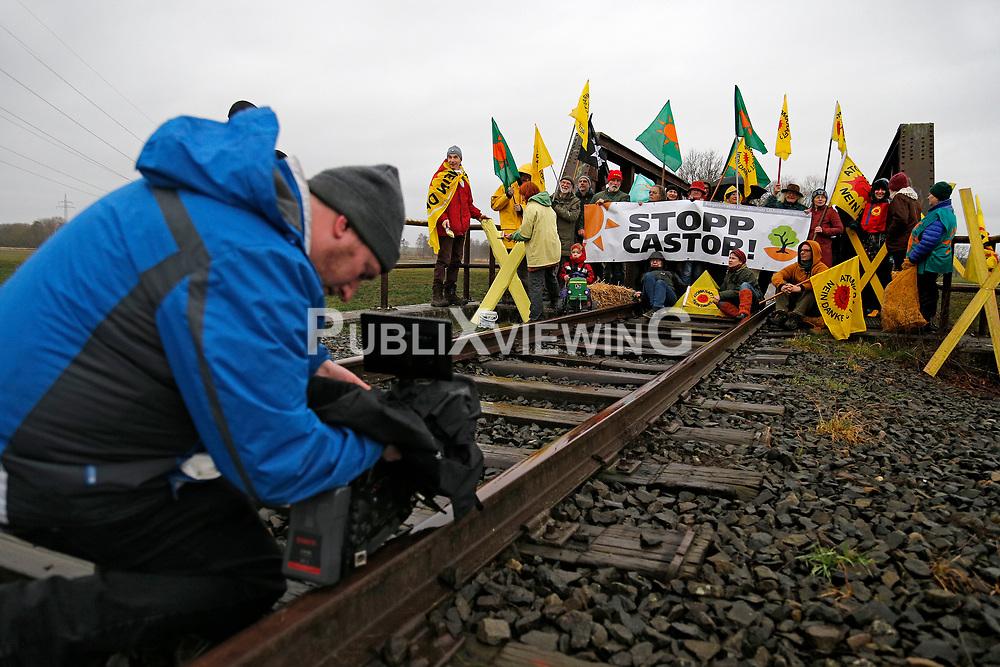 Atomkraftgegner aus dem Wendland protestieren im Vorfeld des Castortransports von Sellafield nach Biblis im Frühjahr 2020.<br /> <br /> Ort: Lüchow<br /> Copyright: Andreas Conradt<br /> Quelle: PubliXviewinG