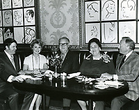 1971 Shirley Jones dines with Hollywood's millionth visitors