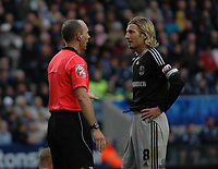 Photo: Tony Oudot/Richard Lane Photography. Leicester City v Derby County. Coca Cola Championship. 17/10/2009<br /> Derby captain Robbie Savage complains to referee Mike Dean about a foul