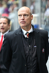12.11.2010, Olympiahalle, Muenchen, GER, Deutschlandcup , Deutschland vs Canada, im Bild Messier Mark (Head Coach Canada)  , EXPA Pictures © 2010, PhotoCredit: EXPA/ nph/  Straubmeier+++++ ATTENTION - OUT OF GER +++++