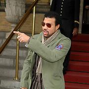 NLD/Amsterdam/20061005 - Lionel Richie verlaat het Amstel Hotel in Amsterdam