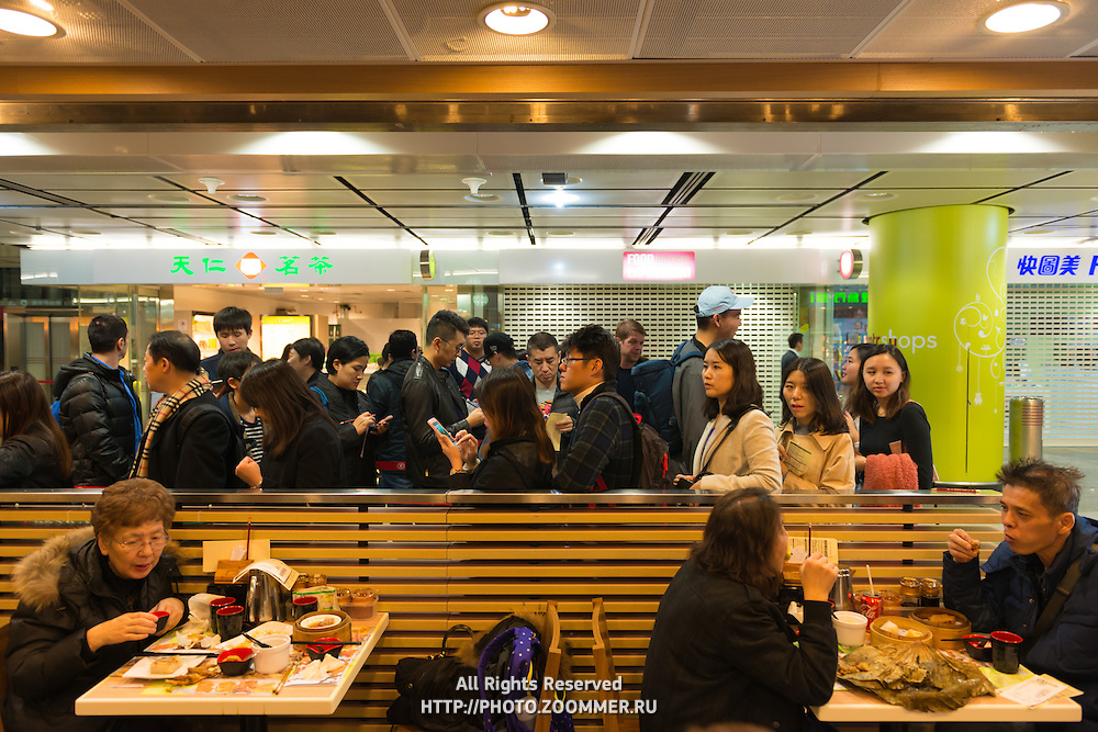 People in line in Tim Ho Wan, the first Michelin star fast food restaurant in Hong Kong
