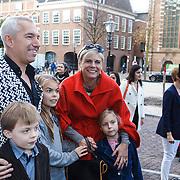 NLD/Den Haag/20131030 - Premiere Mr Finney, Sieb Posthuma met prinses Laurentien en kinderen Eloise, Claus-Casimier, Leonore