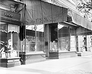 0613-B079.  Galt & Brothers Jewelers, the oldest jewelry store in the United States. 607 15th NW, Washington, DC, 1922