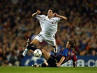Fotball. UEFA Champions League. Første semifinale. 23.04.2002.<br /> Barcelona v Real Madrid 0-2.<br /> Franck de Boer, Barcelona<br /> Santiago Solari, Real Madrid.<br /> Foto: David Rawcliffe, Digitalsport