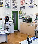 Interno della sede Lega Nord di Varese (questa è la prima sede del partito costruita nel 1986). | Lega Nord headquarters in Varese (this is the first headquarter of Lega Nord built in 1986)