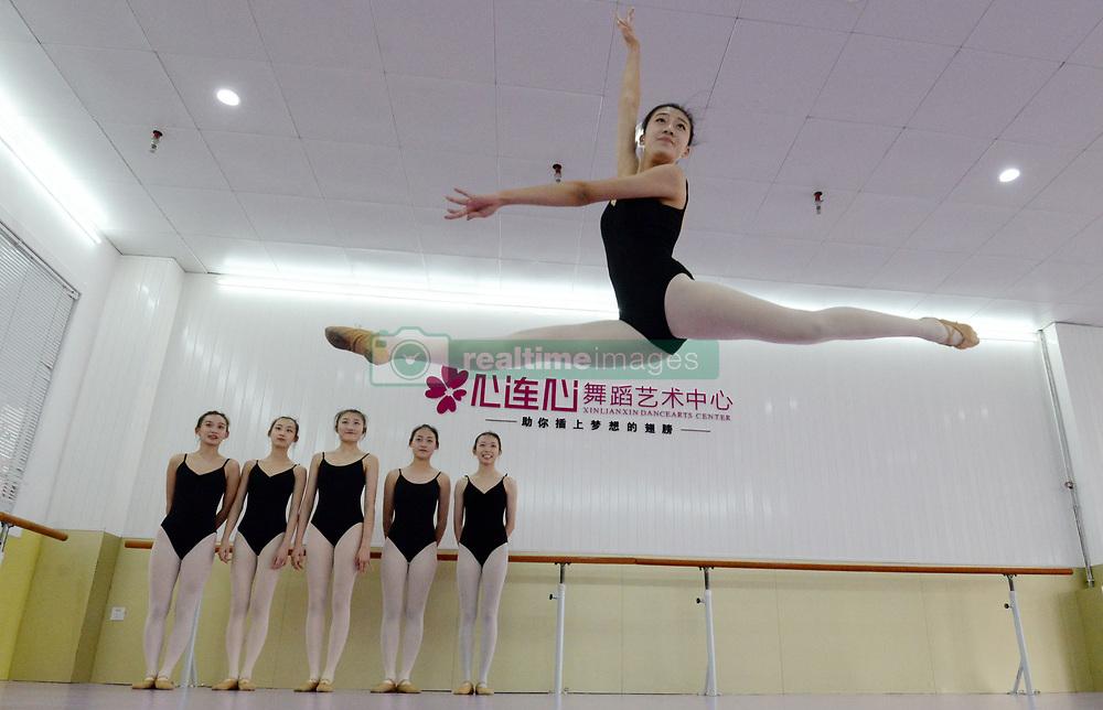 November 22, 2018 - Handan, Handan, China - Handan,CHINA-Students practice dancing in Handan, north China's Hebei Province, preparing for the upcoming art examination. (Credit Image: © SIPA Asia via ZUMA Wire)