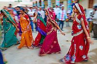 Inde, Gujarat, Kutch, village de Dhori, mariage // India, Gujarat, Kutch, Dhori village, wedding ceremony