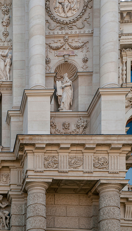 Statue of Moses with the ten commandments on Exterior of the Natural History Museum, Museum platz, Vienna, Austria
