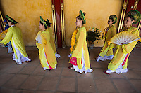 Hue Citadel Procession - performed by artists of Hue Traditional Royal Theatre of Arts provide an extra touch of color to the Hue Citadel.