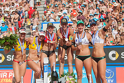 03.08.2013, Klagenfurt, Strandbad, AUT, A1 Beachvolleyball EM 2013, Finale Damen, Spiel 72, im Bild v.l.n.r.  Elsa BAQUERIZO MACMILLAN 2 ESP, Liliana FERNÁNDEZ STEINER 1 ESP, Doris Schwaiger 2 AUT, Stefanie Schwaiger 1 AUT, Kira Walkenhorst 2 GER, Laura Ludwig 1 GER // during Gold Medal Match match 72 of the A1 Beachvolleyball European Championship at the Strandbad Klagenfurt, Austria on 2013/08/03. EXPA Pictures © 2013, EXPA Pictures © 2013, PhotoCredit: EXPA/ Mag. Gert Steinthaler