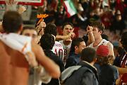 DESCRIZIONE : ROMA CAMPIONATO LEGA A1 2004-2005<br />GIOCATORE : RIGHETTI<br />SQUADRA : LOTTOMATICA VIRTUS ROMA<br />EVENTO : CAMPIONATO LEGA A1 2004-2005<br />GARA : LOTTOMATICA ROMA-MONTEPASCHI SIENA<br />DATA : 27/10/2004<br />CATEGORIA : Esultanza<br />SPORT : Pallacanestro<br />AUTORE : Agenzia Ciamillo&Castoria