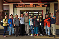 Staffan Widstrand flanked by the hotel director and the whole Yangcheng Evening News group at Hot spring resort in Xu Wen, Guangdong province, ChinaGuangdong province, China