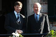 Zijne Hoogheid Prins Floris van Oranje Nassau, van Vollenhoven en mevrouw mr. A.L.A.M. Söhngen zijn donderdag 20 oktober in het stadhuis van Naarden in het burgelijk huwelijk getreden. De prins is de jongste zoon van Prinses Magriet en Pieter van Vollenhoven.<br /> <br /> 20OCT, 2005 - Civil Wedding Prince Floris and Aimée Söhngen. <br /> <br /> Civil Wedding Prince Floris and Aimée Söhngen in Naarden. The Prince is the youngest son of Princess Margriet, Queen Beatrix's sister, and Pieter van Vollenhoven. <br /> <br /> Op de foto / On the photo;<br /> <br /> <br /> Mr. dr. J.P. Balkenende, minister-president en<br /> Drs. F.W. Weisglas, voorzitter van de Tweede Kamer