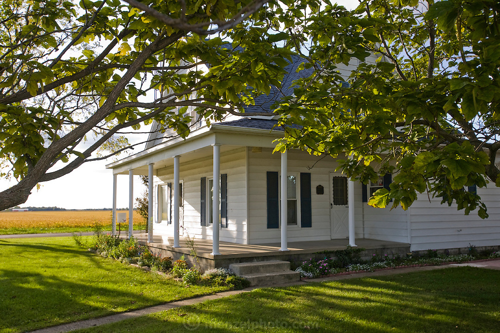 Illinois farmer Gordon Stine's house on his farm in St. Elmo, Illinois.   (Gordon Stine is featured in the book What I Eat; Around the World in 80 Diets.)