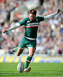 Leicester Tigers fly half Toby Flood kicks for the posts - Photo mandatory by-line: Patrick Khachfe/JMP - Tel: Mobile: 07966 386802 - 21/09/2013 - SPORT - RUGBY UNION - Welford Road Stadium - Leicester Tigers v Newcastle Falcons - Aviva Premiership.