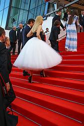May 23, 2017 - Cannes, Provence-Alpes-Cote-D-Azur, France - Colin Farrell and Nicole Kidman sur le tapis rouge pour la projection du film MISE A MORT DU CERF SACRE lors du soixante-dixième (70ème) Festival du Film à Cannes, Palais des Festivals et des Congres, Cannes, Sud de la France, lundi 22 mai 2017. Philippe FARJON / VISUAL Press Agency (Credit Image: © Visual via ZUMA Press)
