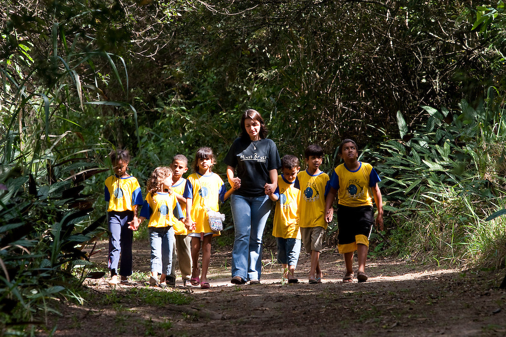 Divinopolis_MG, Brasil..Criancas no Parque do Gafanhoto em Divinopolis. ..Children in the Gafanhoto Park in Divinopolis...Foto: LEO DRUMOND / NITRO