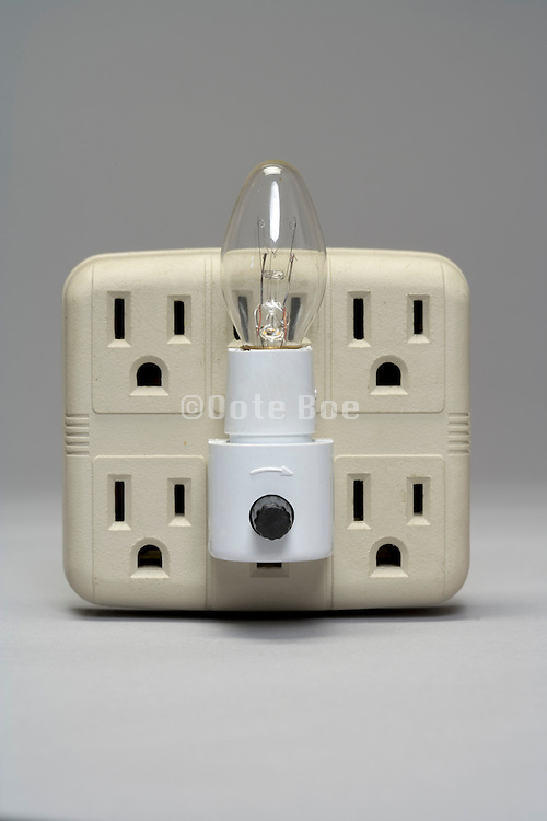 night light in an American type multi outlet block