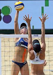 18-07-2014 NED: FIVB Grand Slam Beach Volleybal, Scheveningen<br /> Knock out fase - Madelein Meppelink