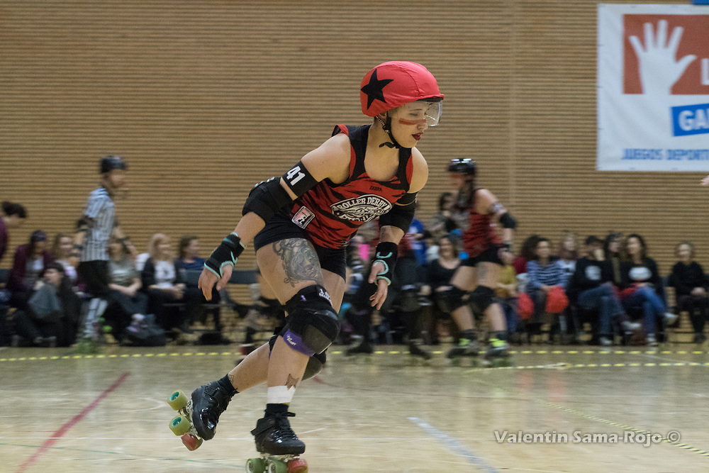 Madrid, Spain. 17th January, 2018. Jammer of Roller Derby Madrid B, #41 Malas Formas, during the game against Baywitch Project Nice Roller Derby held in Madrid. © Valentin Sama-Rojo