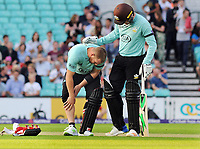 Cricket - 2017 Natwest T20 Blast - Quarter-Final: Surrey vs. Birmingham Bears<br /> <br /> Aaron Finch pulls his Calf muscle in the first over of the match as Jason Roy of Surrey checks on him at The Oval.<br /> <br /> COLORSPORT/ANDREW COWIE