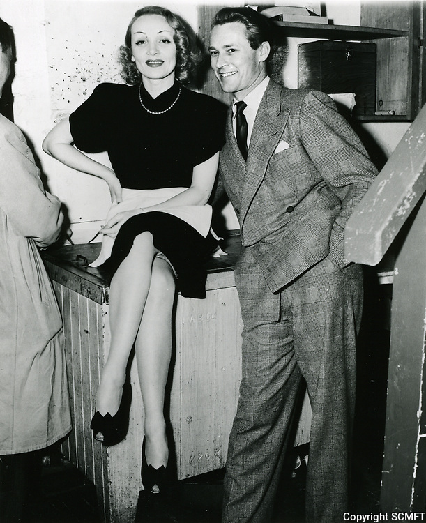 1943 Marlene Dietrich & Jess Barker at the Hollywood Canteen