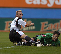 Fotball<br /> England 2004/2005<br /> Foto: SBI/Digitalsport<br /> NORWAY ONLY<br /> <br /> Luton Town v Peterborough United, Coca-Cola League One 25/09/2004. Goalkeeper Mark Tyler looks back as Paul Underwood score the Luton Winner.