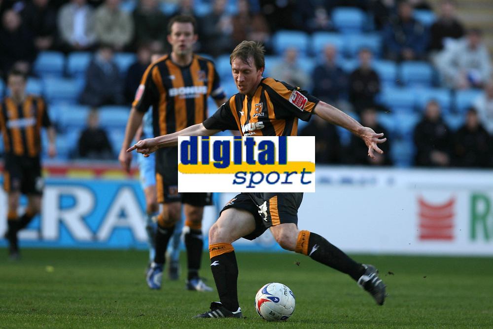 Photo: Pete Lorence.<br />Coventry City v Hull City. Coca Cola Championship. 03/03/2007.<br />David Livermore on the attack.