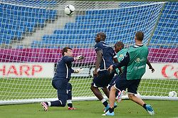 12.06.2012, Staedtisches Stadion, Posen, POL, UEFA EURO 2012, Italien, Training, im Bild  MORGAN DE SANCTIS, MARIO BALOTELLI during the during EURO 2012 Trainingssession of Italy national team, at the SMunicipal Stadium in Poznan, Poland on 2012/06/13