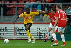 09-05-2007 VOETBAL: PLAY OFF: UTRECHT - RODA: UTRECHT<br /> In de play-off-confrontatie tussen FC Utrecht en Roda JC om een plek in de UEFA Cup is nog niets beslist. De eerste wedstrijd tussen beide in Utrecht eindigde in 0-0 / Sekou Cisse, Tom Caluwe en Tim Cornelisse<br /> ©2007-WWW.FOTOHOOGENDOORN.NL