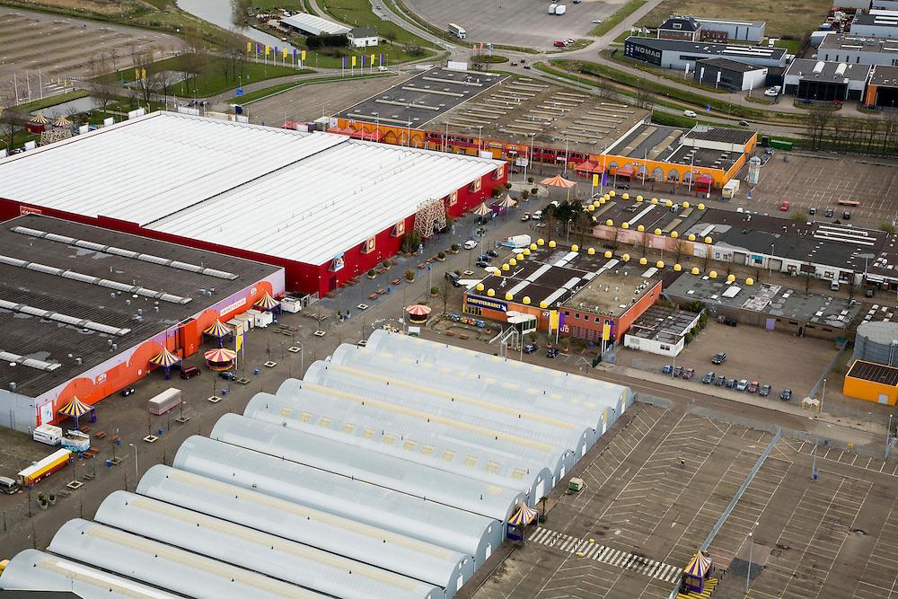 Nederland, Noord-Holland, Beverwijk, 16-04-2008; markthallen op het terrein van de 'zwarte markt' in Beverwijk, in het weekiende is hier de Oosterse Markt; Grand Bazaar, bazar..luchtfoto (toeslag); aerial photo (additional fee required); .foto Siebe Swart / photo Siebe Swart.