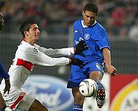 v.l. Kevin KURANYI Stuttgart, Glen JOHNSON<br /> Fu§ball Champions League VfB Stuttgart - FC Chelsea