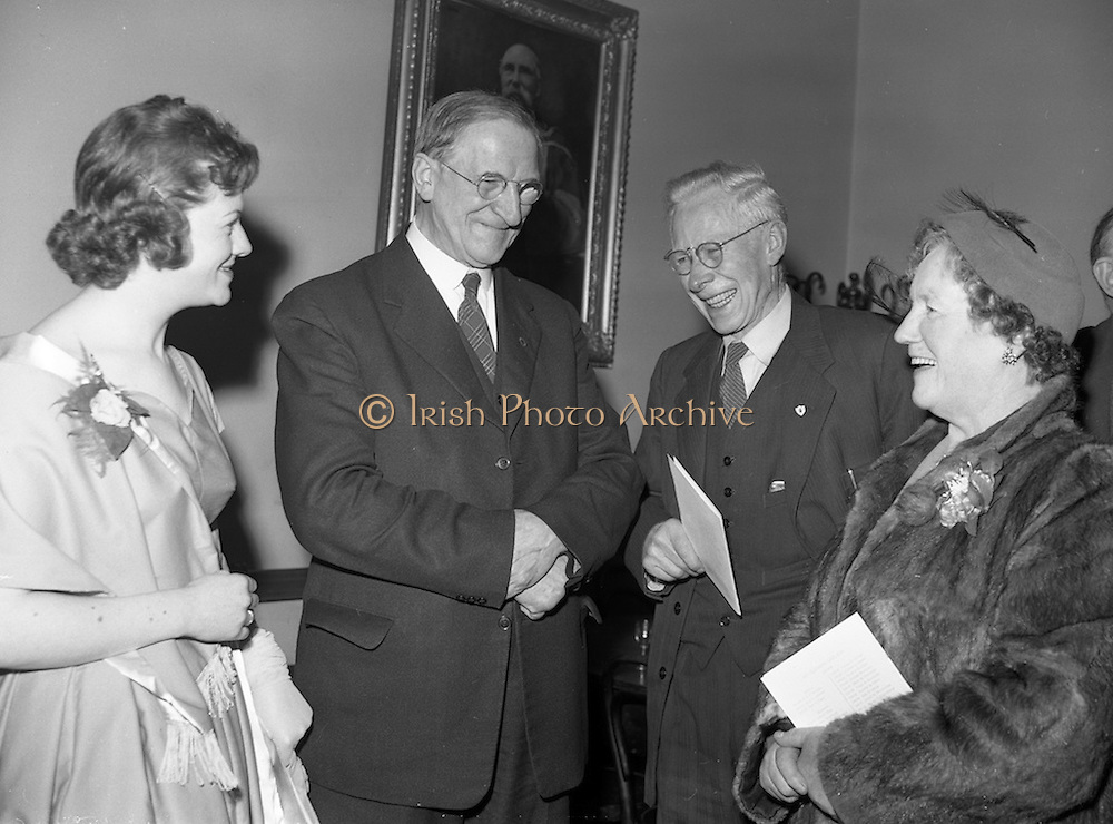 20/2/1959<br /> 02/20/1959<br /> 20 February 1959<br /> <br /> President Éamon de Valera speaking with a group at the Cunmann Gaelach Inaugural