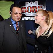NLD/Uitgeest/20080116 - Uitreiking Popularitiets award Noord Holland 2008, Nance Coolen en beveiliger Martin Schmidt