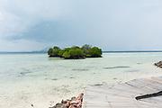 INDONESIA, Karimunjawa Archipelago, Kura Kura Resort , the Blu Bar