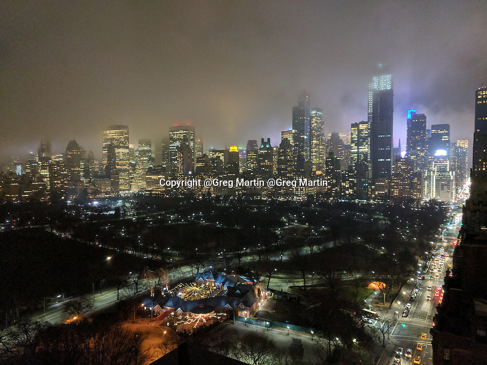 Manhattan cityscape, Central Park, Night The big folder of photography made from phones A large gallery of images created from phones.