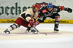 12.09.2010, TUI Arena, Hannover, GER, DEL, Hannover Scorpions vs Augsburger Panther, im Bild Ryan Maki (Hannover #44) und Peter Flache (Augsburg #39 EXPA Pictures © 2010, PhotoCredit: EXPA/ nph/  Schrader+++++ ATTENTION - OUT OF GER +++++ / SPORTIDA PHOTO AGENCY