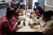 Tijuana 2015.<br /> House of female and children migrants. Food is not rich but enough for all.<br /> I pasti nella casa vengono serviti due volte al giorno, sono pasti poveri ma sufficienti.