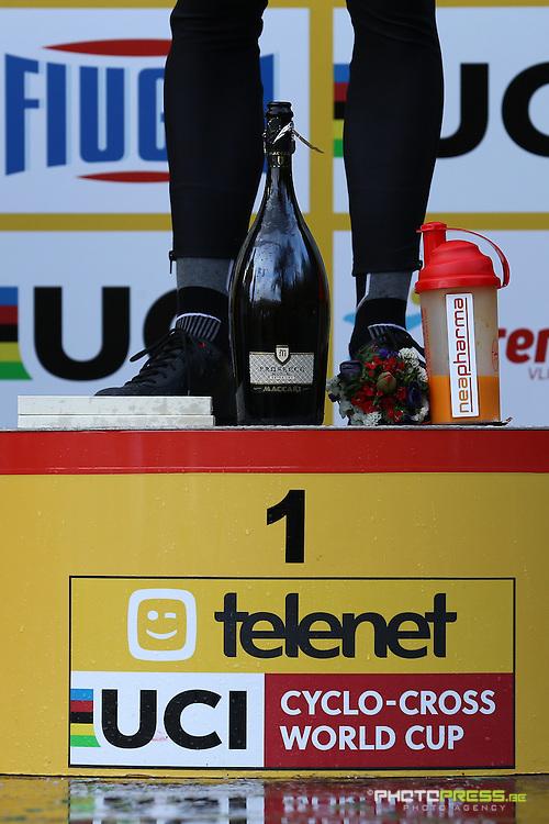 ITALY / ITALIE / FIUGGI / REGIO LAZIO / CYCLING / CYCLOCROSS / VELDRIJDEN / RADQUER / WORLD CUP #7 / WERELDBEKER #7 / COUPE DU MONDE #7 / 8TH MEMORIAL ROMANO SCOTTI / PODIUM / PODIUMCEREMONIE / VAN AERT WOUT (CRELAN - CHARLES) / NEAPHARMA /