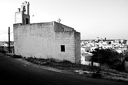 Alessano (LE) - Panoramica di Alessano: in primo piano il retro della Chiesa della Madonna del Riposo.
