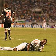 Botafogo striker Maicosuel injures himself while shooting during the Botafogo V Vasco, Futebol Brasileirao  League match at Estadio Olímpico Joao Havelange, Rio de Janeiro, The classic Rio derby match ended in a 2-2 draw. Rio de Janeiro,  Brazil. 22nd September 2010. Photo Tim Clayton.