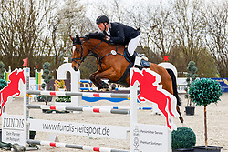 09.1, Youngster-Springprfg. Kl. M** 6+7j. Pferde,Ehlersdorf, Reitanlage Jörg Naeve, 29.04. - 02.05.2021,, Jan Philipp Schultz (GER), Catoar,
