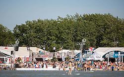 28.04.2012, Burgenland, Neusiedler See, Podersdorf, AUT, PWA, Surf Worldcup, im Bild Besucher am Strandbad in Podersdorf // during surfworldcup at podersdorf, EXPA Pictures © 2012, PhotoCredit: EXPA/ M. Kuhnke