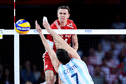 07.09.2014, Centennial Hall, Breslau, POL, FIVB WM, Polen vs Argentinien, Gruppe A, im Bild MARIUSZ WLAZLY (L), FACUNDO CONTE (P) // during the FIVB Volleyball Men's World Championships Pool A Match beween Poland and Argentina at the Centennial Hall in Breslau, Poland on 2014/09/07. <br /> <br /> ***NETHERLANDS ONLY***