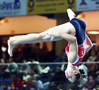 Turn. VM 2002. Debrechen. Ungarn. 22.11.2002.<br /> Veronika Van der Leur, Nederland.<br /> Foto: Christian Ballat, Digitalsport