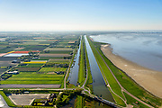 Nederland, Friesland, Gemeente Hollands Kroon, 07-05-2018; Balgzandkanaal en Balgzand, gezien vanuit Van Ewijkcksluis richting Den Helder De Kooij.<br /> Canal in North Holland, near Den Helder.<br /> luchtfoto (toeslag op standaard tarieven);<br /> aerial photo (additional fee required);<br /> copyright foto/photo Siebe Swart