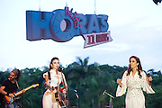Brumadinho_MG, Brasil...O programa Altas Horas gravou especial em comemoracao aos seus 11 anos no ar.  O local escolhido foi o Instituto Inhotim em Brumadinho, Minas Gerais. Na foto Paula Fernandes e Ivete Sangalo...The tv program Altas Horas recorded special to commemorate his 11 years on the air. It happened Institute Inhotim in Brumadinho, Minas Gerais. Pictured Paula Fernandes and Ivete Sangalo...Foto: NIDIN SANCHES / NITRO
