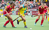BRUSSEL - Madison Fitzpatrick (Aus.)  with Rocio GUTIERREZ (SPA)  and Maria LOPEZ (SPA)   during AUSTRALIA v SPAIN (4-1) , Fintro Hockey World League Semi-Final (women) . COPYRIGHT KOEN SUYK